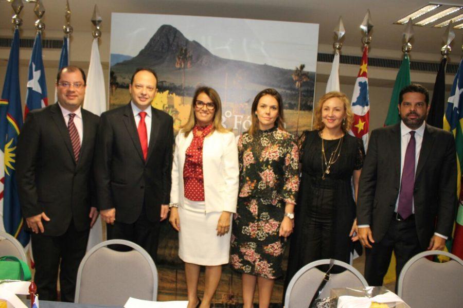 Secretária Livânia Farias é eleita nova presidente do Consad